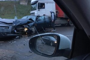 "Avarija Kaune: ""Citroen"" ir ""Mazda"" nepasidalijo kelio"