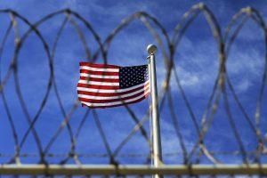 B. Obama skelbs Gvantanamo kalėjimo uždarymo planą