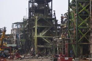 Meksikoje sprogimo naftos gamykloje aukų padaugėjo iki 32