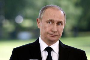 V. Putinas viliasi, kad JAV ir Rusijos santykiai normalizuosis