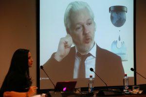 Ekvadoras išsiuntė Švedijai J. Assange'o apklausos medžiagą