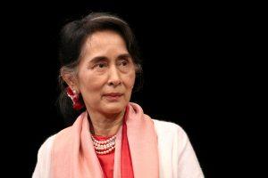 Mianmaro vadovė po valstybinių vizitų skundžiasi pablogėjusia sveikata