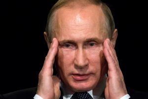 Britanijos diplomatijos vadovas: Rusijai gresia atstumtosios statusas