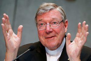 Australijos policija dėl lytinio išnaudojimo apklausė popiežiaus padėjėją