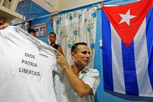 Po F. Castro mirties Kuboje tęsiasi disidentų areštai