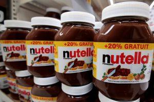 """Smaližiai pasipiktinę: pakeista šokoladinio kremo """"Nutella"""" sudėtis"""