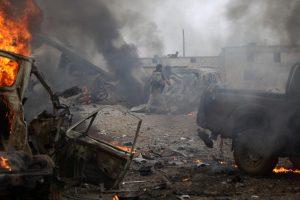 Sirijoje mirtininkui susprogdinus užminuotą automobilį žuvo 29 žmonės
