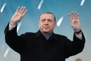 Turkijos prezidentas kaltina ES pradėjus kryžiaus karą prieš islamą