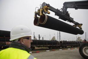 """""""Nord Stream 2"""" leista tiesti dujotekį Vokietijos teritoriniuose vandenyse"""