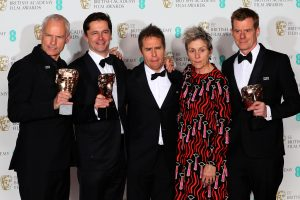 "Apdovanojimuose BAFTA triumfavo ""Trys stendai prie Ebingo, Misūryje"""