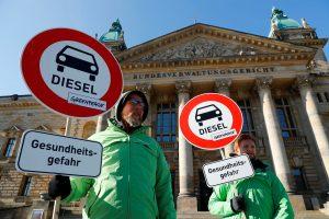 Vokietijos miestai gali įvesti dyzelinių automobilių draudimus