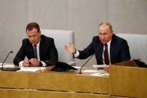 D. Medvedevas: ištikimas premjeras V. Putino šešėlyje