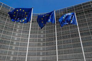 EK pareigūnas: Lietuva vidutinių pajamų turi saugotis inovacijomis
