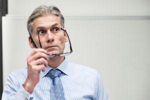 """Po pinigų plovimo skandalo atsistatydino """"Danske Bank"""" vadovas"""