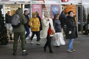 Akcijų ištroškę klaipėdiečiai šturmavo parduotuves