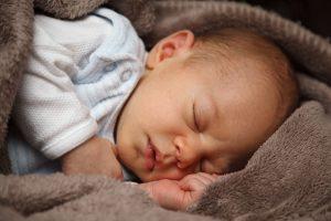 Teismas baigė nagrinėti gimdymų namuose bylą