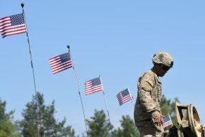 JAV prezidentas siūlo padidinti išlaidas gynybai