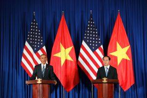 JAV atšaukia ginklų prekybos embargą Vietnamui