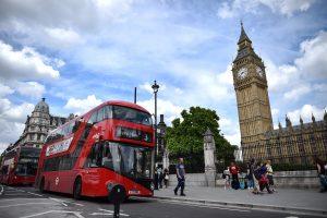 Britanija sieks europiečius imigrantus palikti be pašalpų