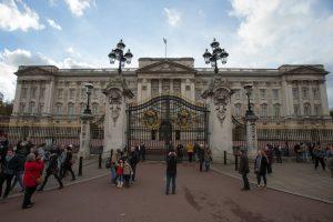 Britanija Bakingamo rūmams atnaujinti skirs 369 mln. svarų