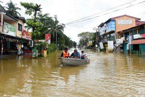Šri Lankoje potvynių ir purvo nuošliaužų aukų padaugėjo iki 146