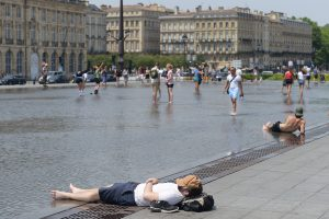Pietų Europoje dėl karščio kai kur skelbiama nepaprastoji padėtis
