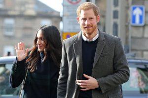 """Policija tiria princui Harry ir M. Markle atsiųstą """"rasistinį"""" paketą"""