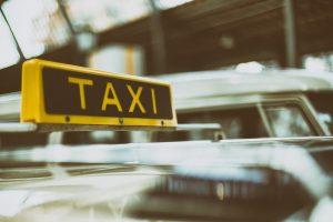 Rusijoje girtas keleivis nušovė taksistą ir pats mirtinai sušalo miške