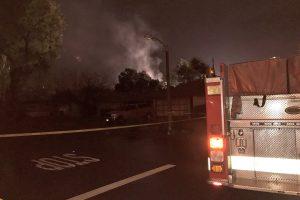 Kalifornijoje į du namus įsirėžus lėktuvui žuvo mažiausiai keturi žmonės