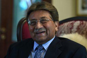 Buvęs Pakistano karinis vadovas paliko šalį atšaukus draudimą išvykti