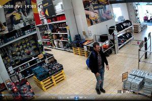 Vilniaus policija ieško vagyste parduotuvėje įtariamo vyro