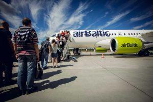 """Per pirmąjį pusmetį """"airBaltic"""" skraidino 170 tūkst. keleivių iš Lietuvos"""