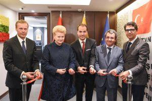 D. Grybauskaitė Stambule atidarė Lietuvos garbės konsulatą