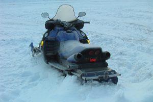 Šiaulių rajone susižalojo sniego motociklo vairuotojas