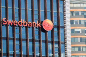 """""""Swedbank"""" pirmauja pagal turtą ir indėlius, SEB bankas – paskolų portfelį"""