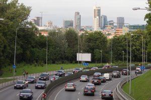 Dėl brangstančio automobilių draudimo kalti ukrainiečiai?