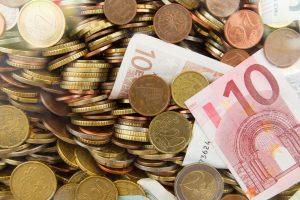 Valiutos keityklos kasininkas įtariamas pasisavinęs 88 tūkst. eurų