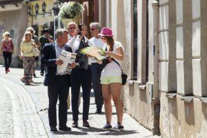 Ragina numatyti patogesnį turistams lankytinų vietų darbo laiką