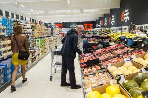 Žinomi maisto gamintojai teisinasi: produktus pritaiko skirtingoms rinkoms