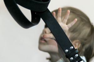 Visuomenininkai: mušamas vaikas vėliau pats tampa smurtautoju