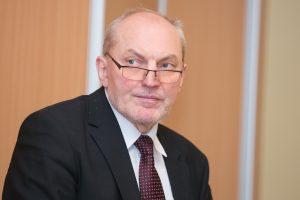 """Iš """"Lietuvos geležinkelių"""" neseniai atleistam A. Šimėnui skirta signataro renta"""