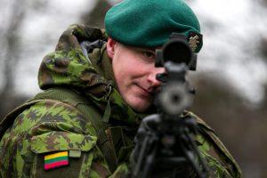 Baltijos šalių gynybos biudžetas auga greičiausiai