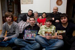 Čečėnai Gatajevai į Kauną sugrįžo dėl vaikų