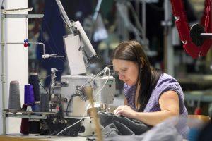 Augantys atlyginimai: džiaugsmas darbuotojams, galvos skausmas darbdaviams