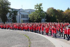 LSU masiniame šokyje – daugiau kaip 700 dalyvių