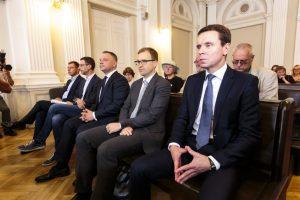Politinės korupcijos byla: teisėjai ir prokuroras nenusišalins