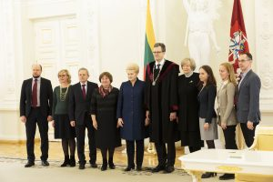 Prezidentė priėmė šešių teisėjų priesaikas