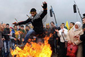 Irane per ugnies šventę žuvo trys žmonės, tūkstančiai sužeisti