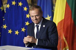 Lenkija abejoja D. Tusko perrinkimo teisėtumu