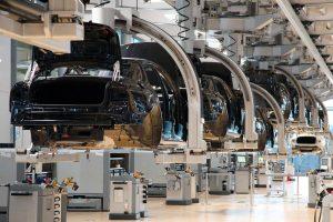 """""""Volkswagen"""" Lenkijoje atidarė vieną moderniausių gamyklų"""